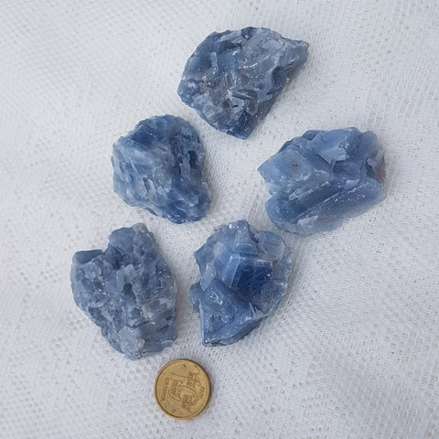 rå blå kalcit inredning
